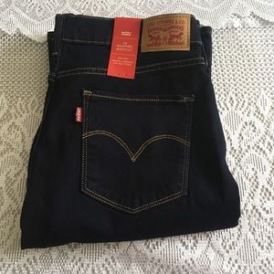 NWT Levi's 315 Shaping Boot Cut Jean